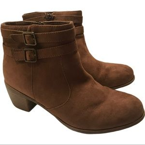 American Eagle Outfitters brown suede ankle boots
